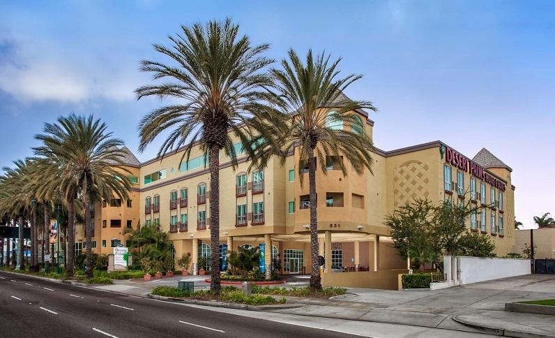 Desert_Palms_Hotel_&_Suites_Anaheim-Exterior